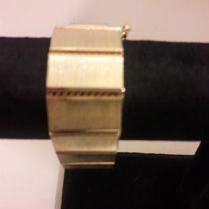 Vintage brushed gold tone chunky braclet